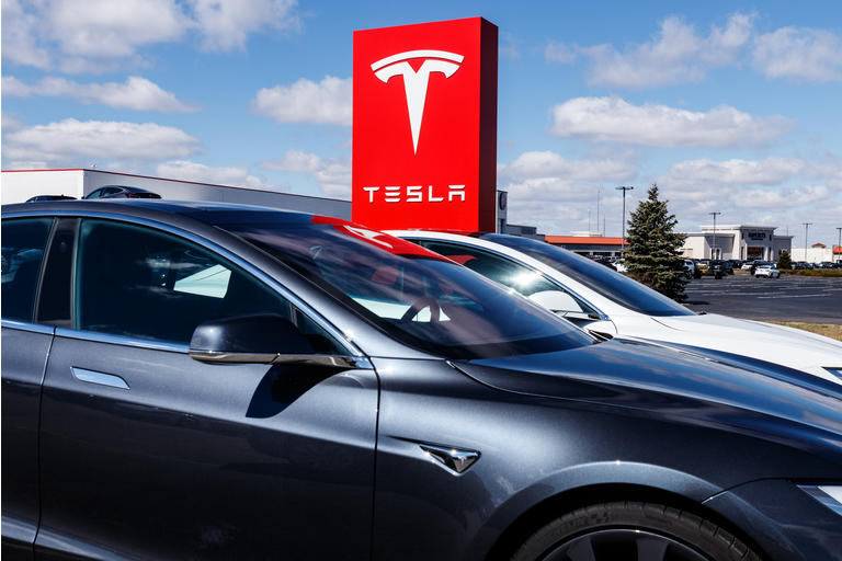 Tesla says new V3 Supercharger stations will reduce recharging times by half II