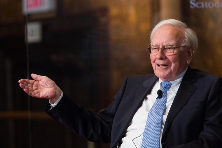 Warren Buffett A generálny riaditeľ BofA Brian Moynihan prednášajú na Georgetown University