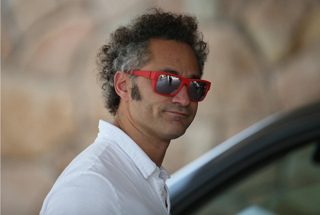 Palantir is a high growth and unprofitable facing numerous risk factors. See how PLTR stock is subject to political risk.