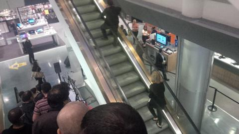 Suitcase Blocker Escalator