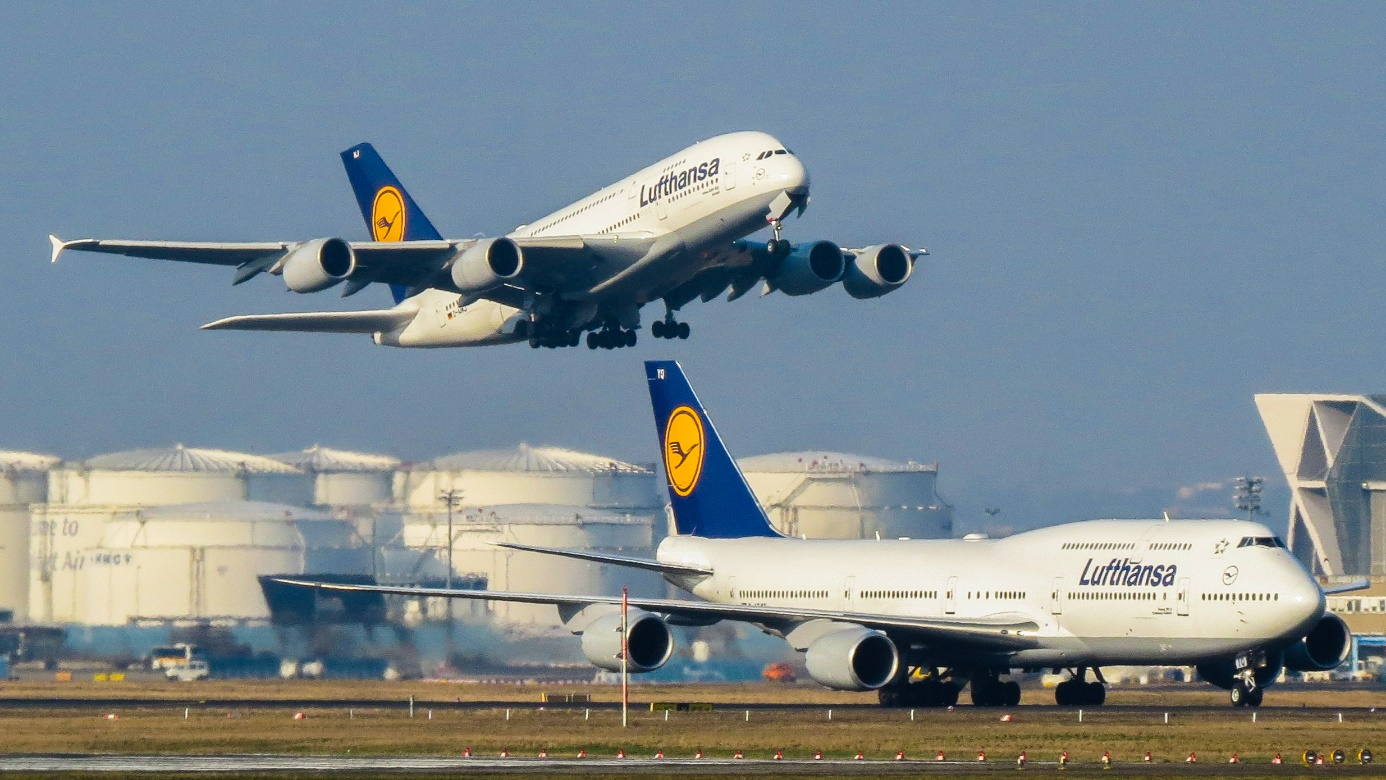 In this article I will zoom in on the Boeing 747-8 and the Airbus A380,  their prospects and business cases.
