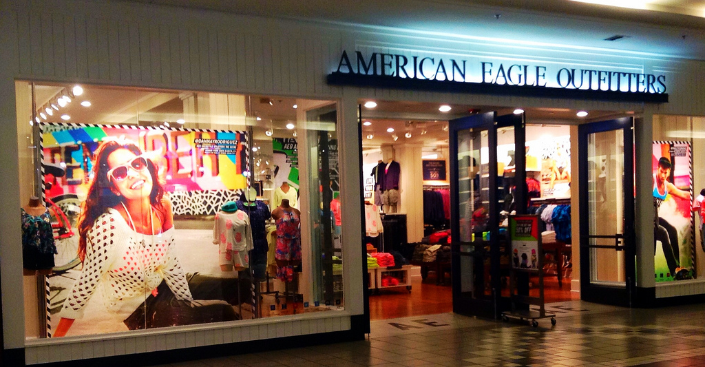 5 Reasons To Buy American Eagle Outfitters American Eagle