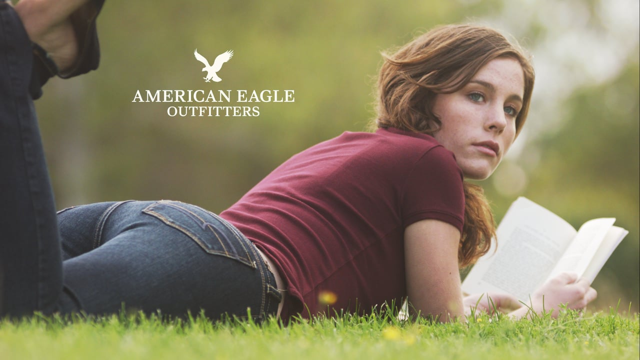 524b7c5cb02f 5 Reasons To Buy American Eagle Outfitters - American Eagle ...