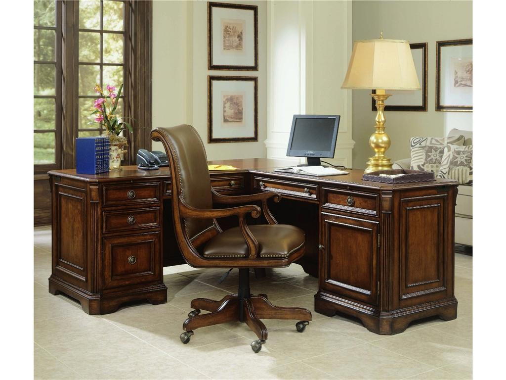 Hooker Furniture: Buy The Chaos?   Hooker Furniture Corporation  (NASDAQ:HOFT) | Seeking Alpha