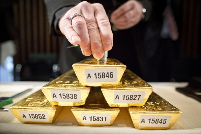 Who's Right About Gold? Goldman Or Famous Hedge Fund
