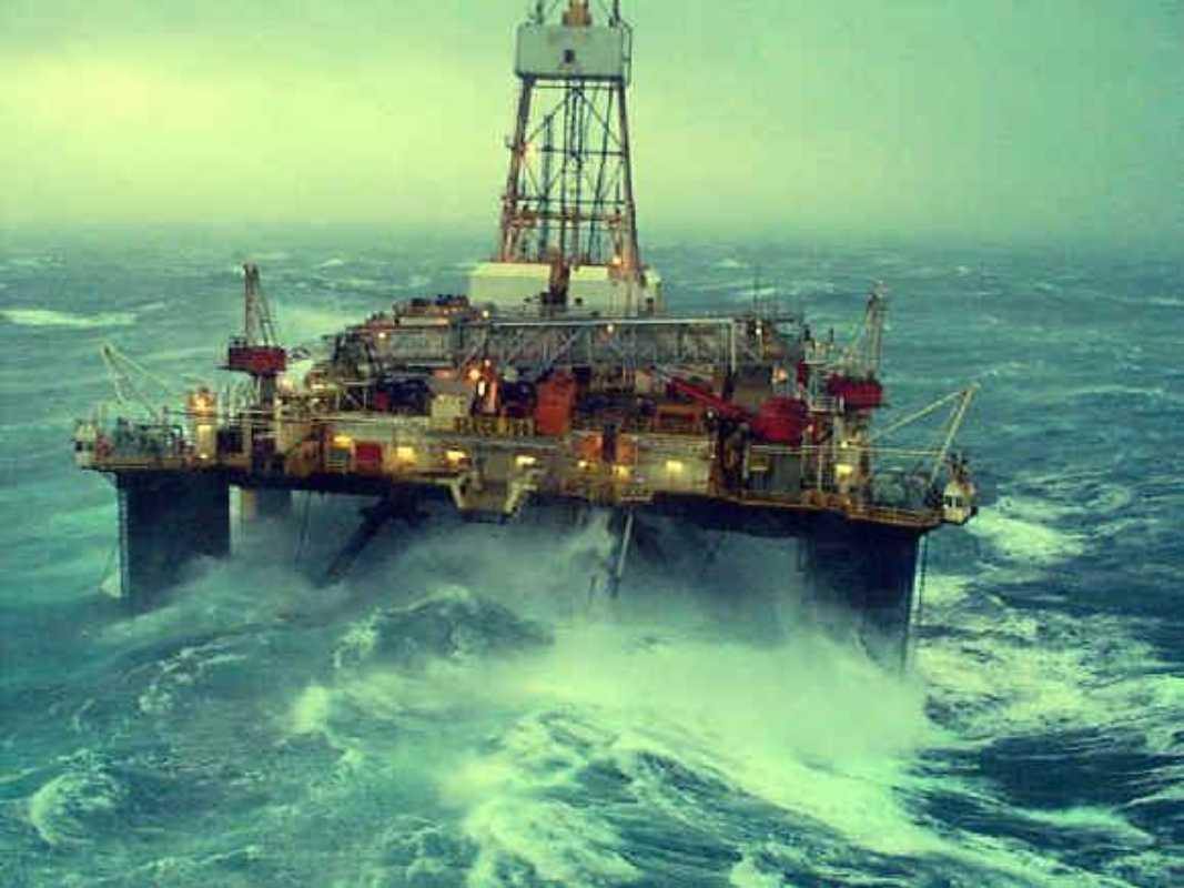 Offshore Oil Rig : Offshore drilling companies grabbed new production
