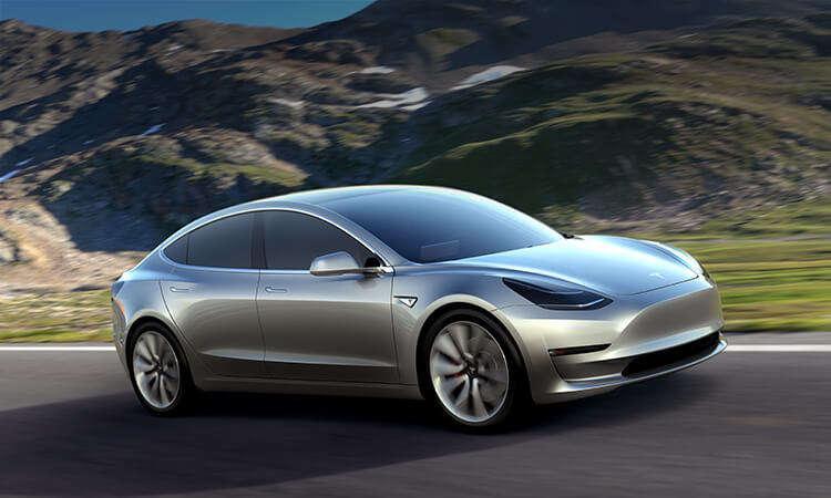 Warren Buffett Offers Clear Thinking About Tesla's Challenges