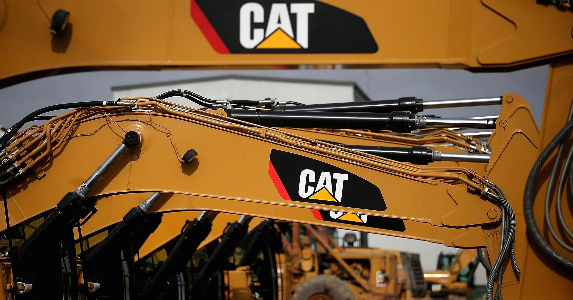 William Blair Analysts Cut Earnings Estimates for Caterpillar Inc. (CAT)