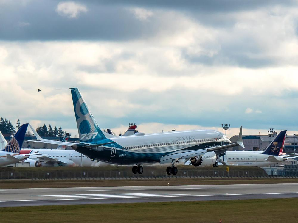 The new Boeing 737 MAX landing in Everett, WA!