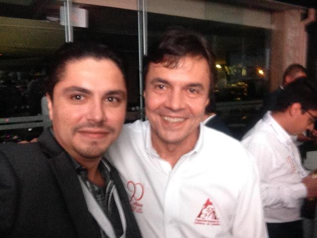 Me and Roberto Vélez, Manager of Federal Coffee Growers Federation