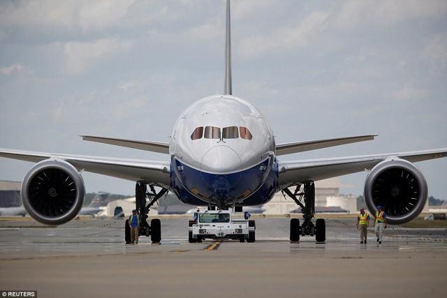 PICTURE: First El Al 787 arrives in Tel Aviv