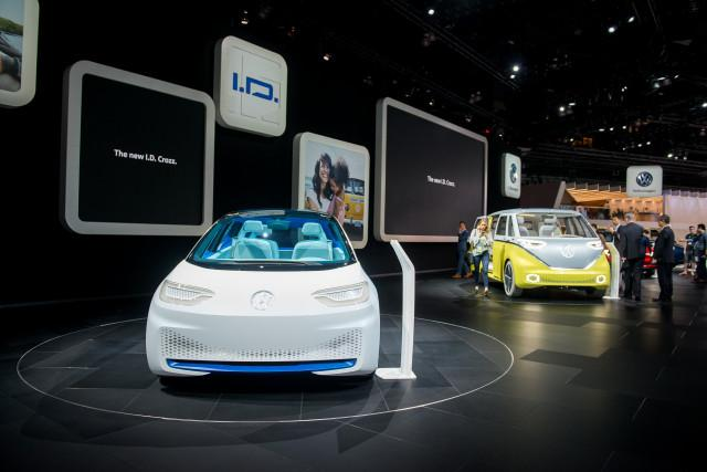 Volkswagen ID and ID Buzz concepts, 2017 Los Angeles auto show