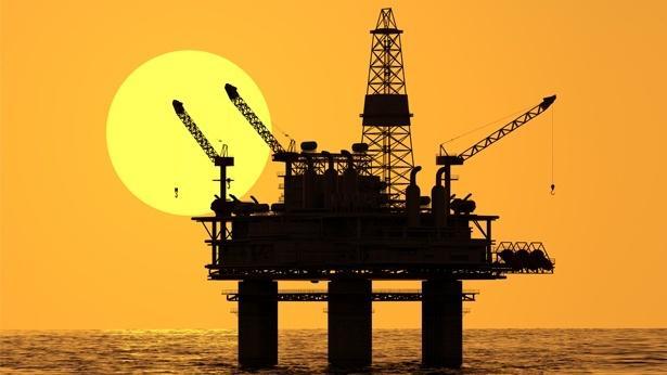 Oil, Photo: Yizh