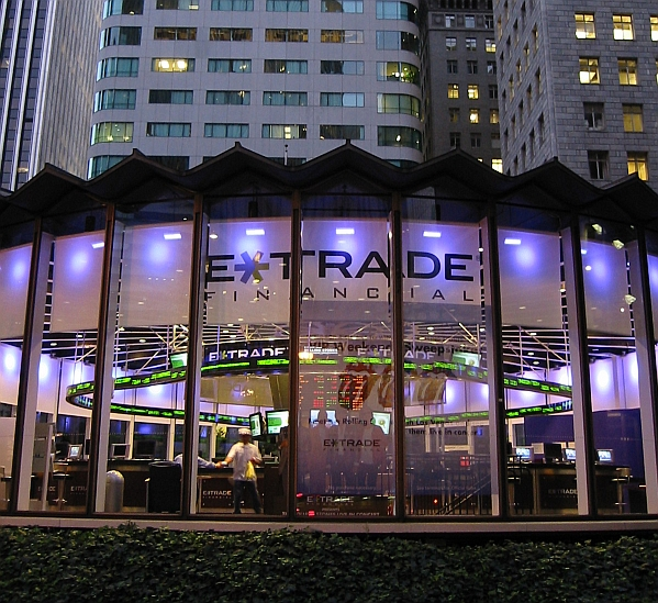Will E-Trade Capitalize On Its 2017 Growth In 2018?