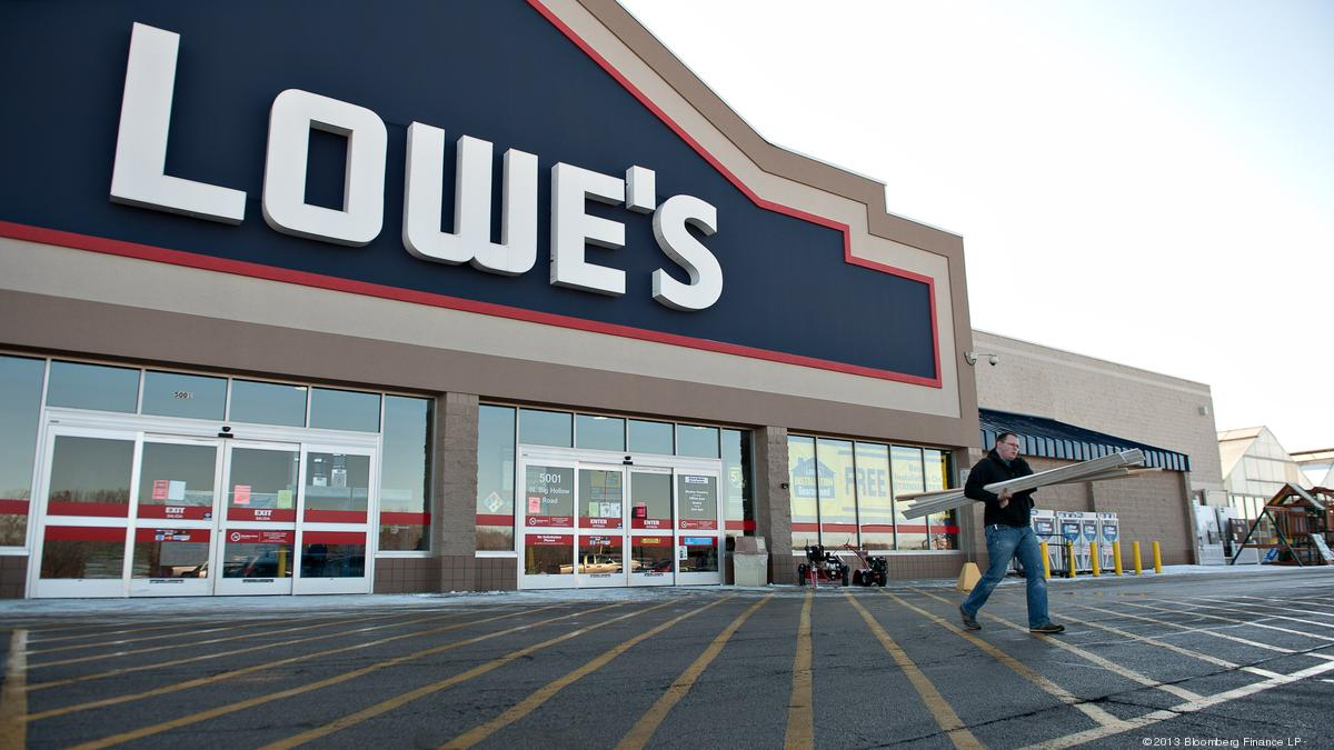 Lowe's delivers on sales, but falls short on profit