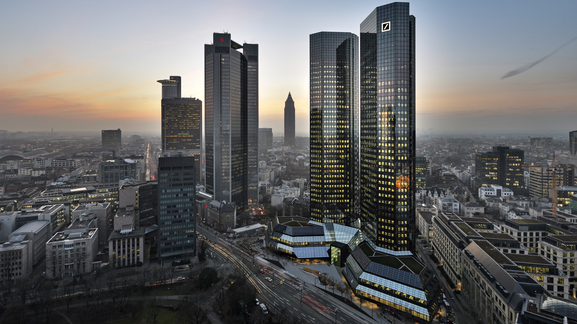 Sell deutsche bank cost inefficiencies and an unstable major shareholder deutsche bank ag - Architekten deutschland ...