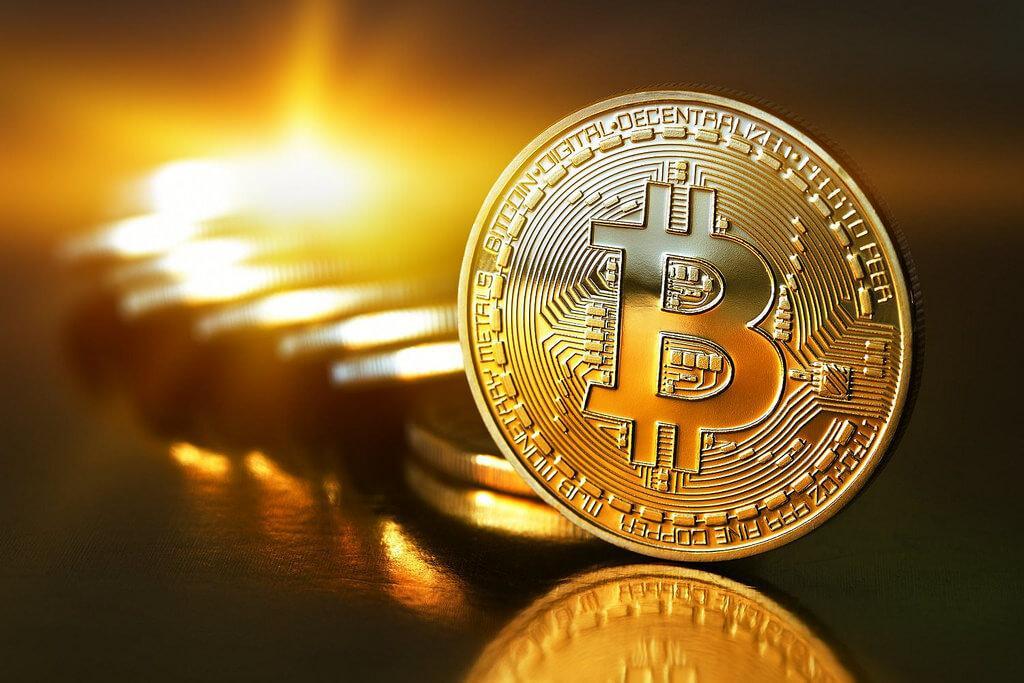 Bitcoin leidt Crypto-rally tijdens weekend & stijgt boven $9.000!