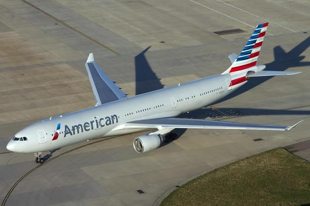 Afbeeldingsresultaat voor a330 american airlines