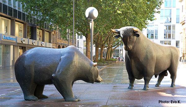 Bull and Bear market statue Frankfurt