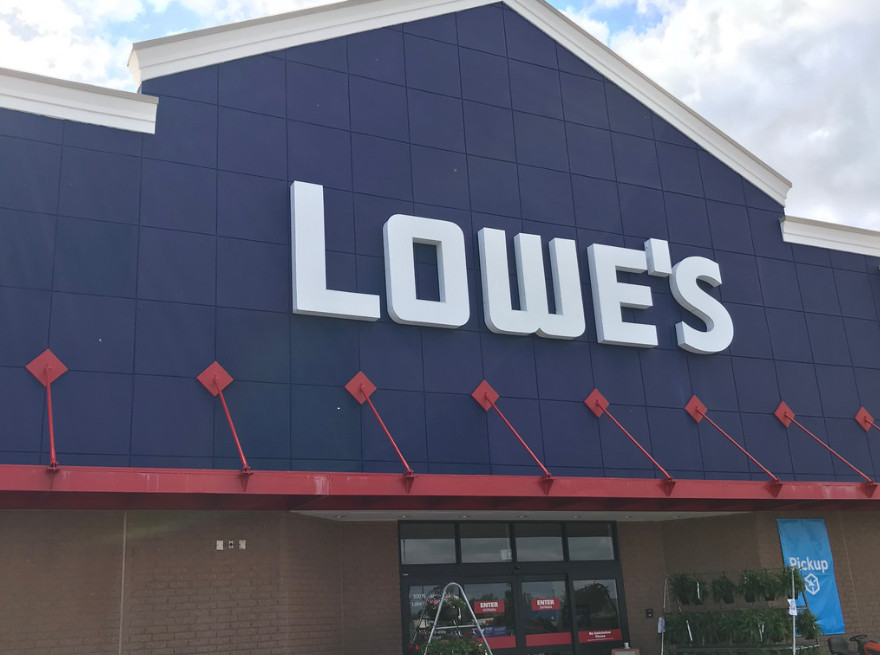 Lowes Could Follow Home Depot Higher Lowes Companies Inc Nyse