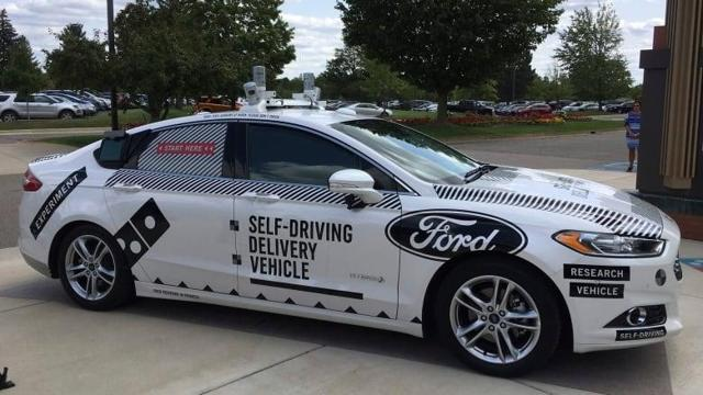 https://i.cbc.ca/1.4266358.1504007678!/cpImage/httpImage/image.jpg_gen/derivatives/16x9_780/self-driving-pizza-delivery.jpg