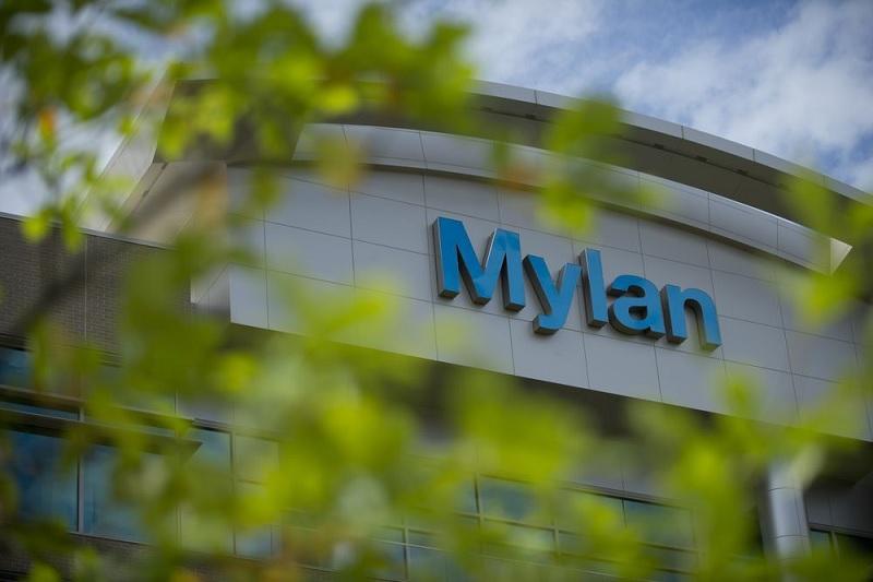 Assessing What Happens If Fitch Sacks Mylan - Mylan N V