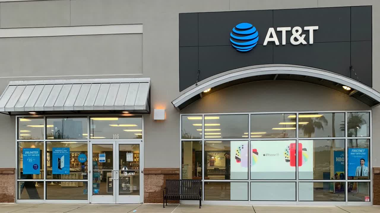 AT&T's Ad Revenues Stabilize in Third Quarter