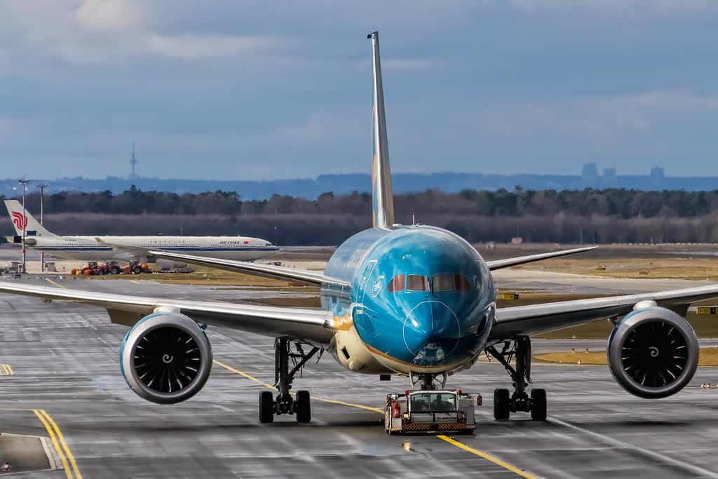 VN-A861 Vietnam Airlines Boeing 787-9 Dreamliner preparing for departure to Hanoi (VVNB) @ Frankfurt - Rhein-Main International (EDDF) / 14.02.2016